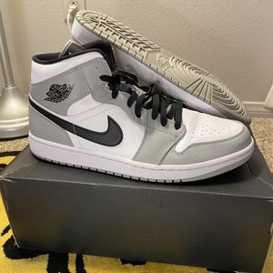 Jordan 1 Mid Smoke Grey VNDS Size 13 for Sale in Leona Valley, CA