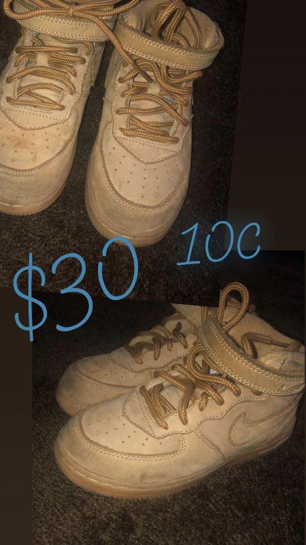 Kid sneakers size 10c