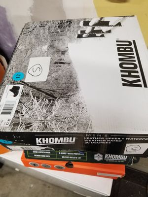 Khombu mens snow boots for Sale in Hayward, CA