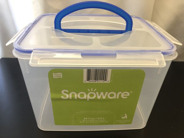 Snapware 29-Cup Food Storage Container w/ Handle - clear plastic