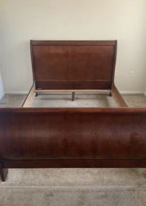 Queen size bed frame and two nightstand ONLY ( FREE DELIVERY 🚚) EXCELLENT CONDITIONS for Sale in North Las Vegas, NV
