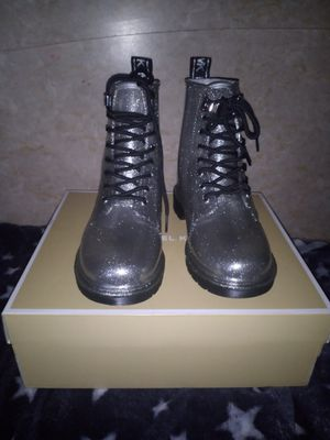Michael kors boots for Sale in San Leandro, CA