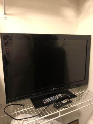 LG TV 36 inches for Sale in Rockville, MD
