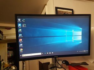"24"" SAMSUNG CURVE MONITOR WITH WALL MOUNT for Sale in Dracut, MA"