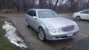 Mercedes e320 4matic for Sale in Cleveland, OH