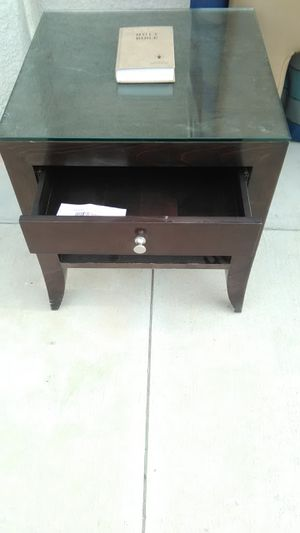Dresser an night stand for Sale in Las Vegas, NV