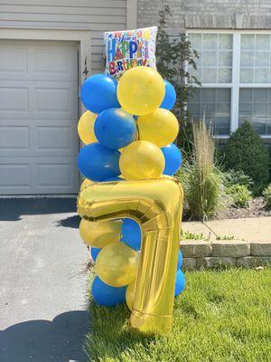 Birthday balloon column for Sale in Elgin, IL
