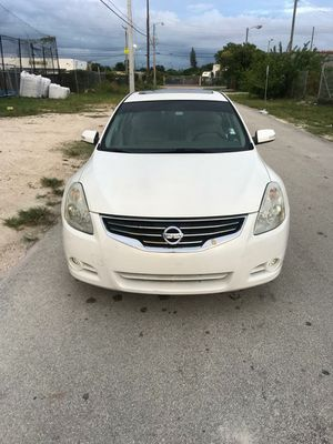 2012 Nissan Altima for Sale in Miami, FL