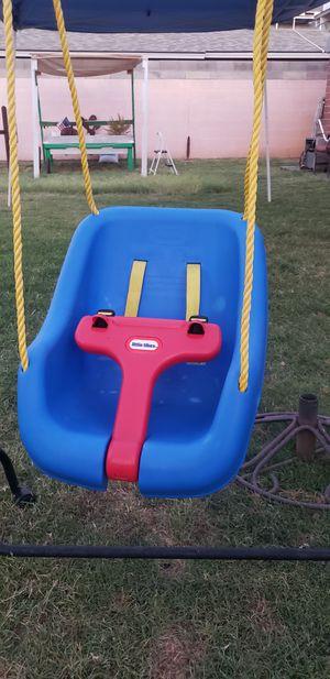 Little tikes kids baby swing for Sale in Phoenix, AZ