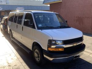 Chevy express van 2500 / low miles 2015 / clean! for Sale in Lynwood, CA