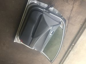 $1 parting out Used 2011-2014 Hyundai Sonata right front door for Sale in Glenolden, PA