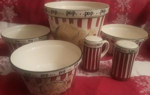 Pre-Owned Ceramic Kitchen Tabletop 101 Popcorn Set And 2 Shakers! for Sale in Columbus, OH