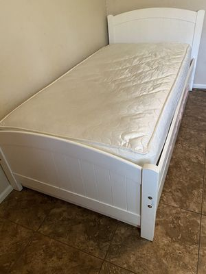 Twin white trundle bed must pick up for Sale in Norco, CA