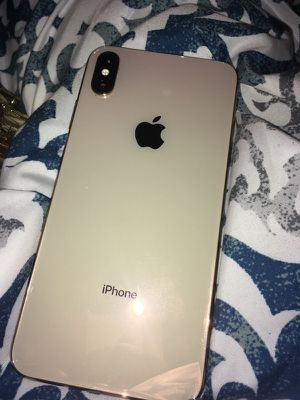 iPhone XS Gold 64gb Parts for Sale in Milwaukee, WI