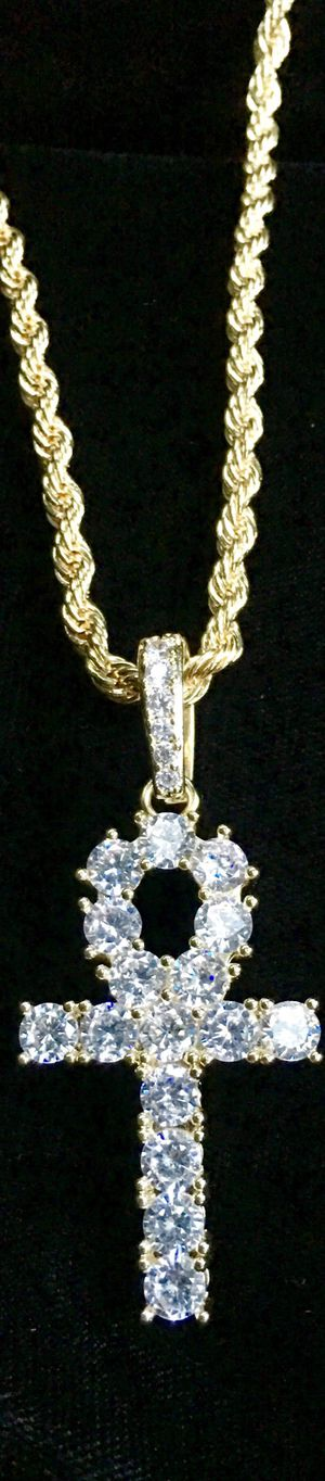 ⭐️THANKSGIVING * MERRY CHRISTMAS MEGA SALE⭐️ ANKH FULL DIAMONDS CZ 18K GOLD CHAIN MADE IN ITALY for Sale in Miami Beach, FL