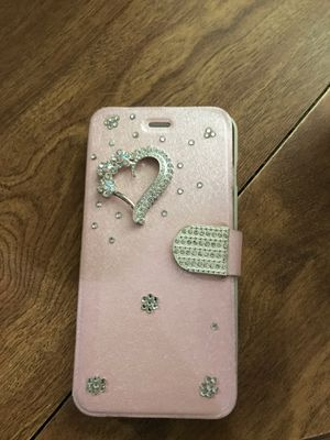 Rose gold phone case used and has where and tear for Sale in Kennewick, WA