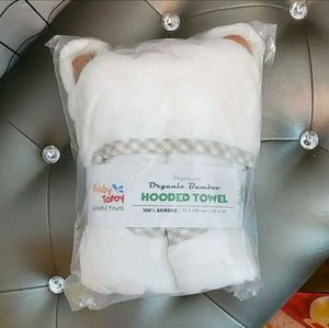 Hooded Baby Towel & Washcloth Set by Baby Totoy - Organic for Sale in San Angelo, TX