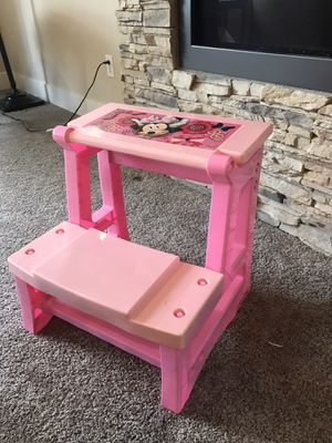 Pink Minnie Mouse desk, converts to bench for Sale in Snohomish, WA