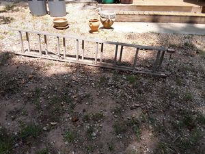 16 ft Aluminum Ladder used great condition for Sale in Morrow, GA