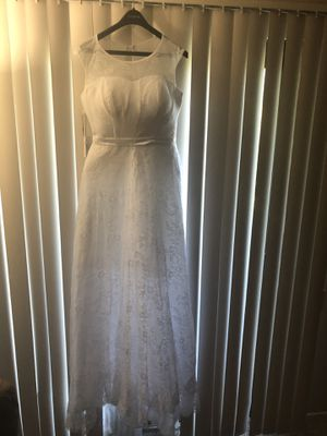 Wedding dress / size 6-8-10/ need length alterations for Sale in San Mateo, CA