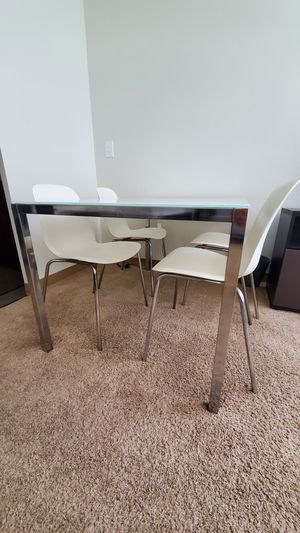 Kitchen Dining Table (glass) with Chairs for Sale in Detroit, MI
