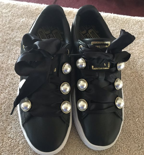 "super popular fec02 4563b Puma basket bling pearl bow ribbon sneakers size 7"" for Sale in Redondo  Beach, CA - OfferUp"
