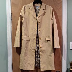 Brooks Brothers trench coat for Sale in Hillcrest Heights, MD