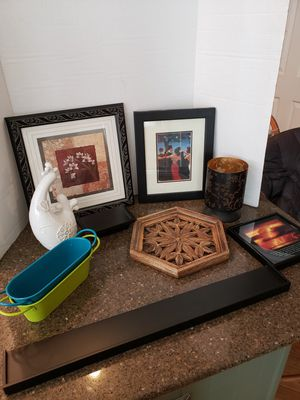 Lot of 10 home decorations for Sale in Woodbridge, VA