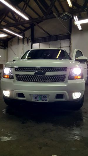 2007 chevy tahoe 4wd family truck for Sale in Wood Village, OR