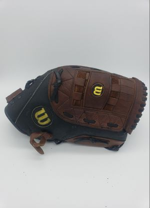 "WILSON Elite 13"" A2477 Custom Fit Top Grade Leather Softball Glove RHT (Read). Condition is Pre-owned. for Sale in Tamarac, FL"