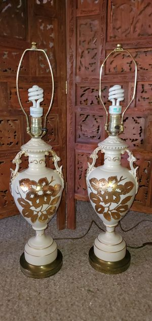 Gorgeous Vintage Lamps (pair) for Sale in Tucson, AZ
