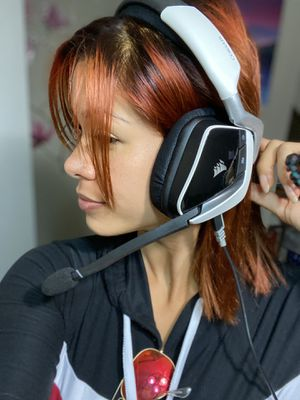 Corsair, headsets. for Sale in Miami, FL