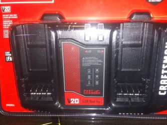Dual port Fast Charger 20V Max* Lithium Ion Charger for Sale in Seattle,  WA