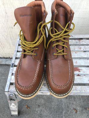 Zapatos con casquillo size 10 for Sale in Carson, CA