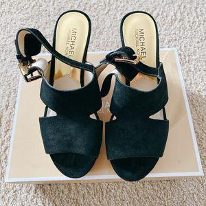 MK Leather Platform Sandal for Sale in Bellevue, WA