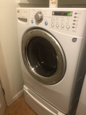 LG STEAM WASHER & DRYER for Sale in Federal Way, WA