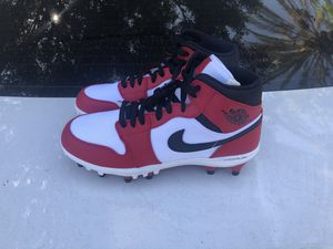 Men's Nike Air jordan 1 med Chicago football cleats sz 8.5-9-12 for Sale in Artesia, CA