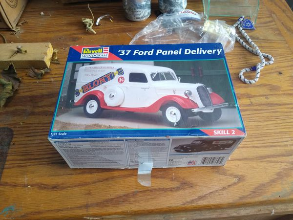 Scale model, new! $ 40