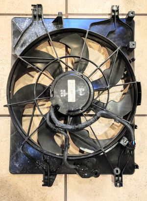 Used Auxiliary fan assembly for Hyundai Genesis for Sale in Delray Beach, FL