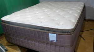 """Englander Tension Ease Willow Plush 12"""" queen mattress free boxsprings for Sale in Las Vegas, NV"""