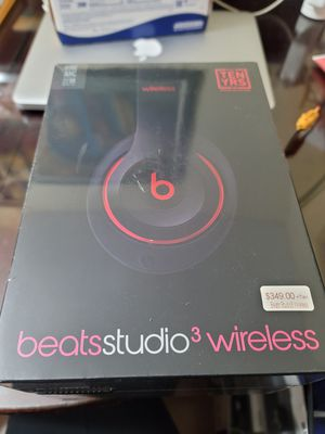 Beats Studio 3 Wireless Limited Decade Edition for Sale in Queens, NY