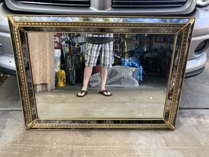 """Wall mirror large 43""""x31"""" for Sale in Henderson, NV"""