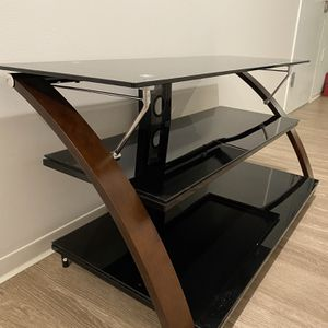 3 Tier TV Stand With Mount for Sale in Raleigh, NC