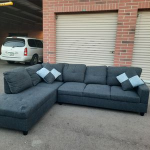 Nice Gray Sectional Couch for Sale in Phoenix, AZ