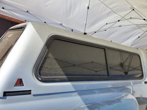 Camper toyota tacoma 2009 for Sale in Huntington Park, CA