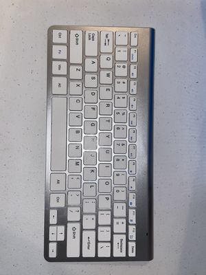 Wireless Keyboard and Mouse Combo, Silver or Black (BRAND NEW) for Sale in Lorain, OH