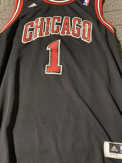 Derick Rose Stitched Bulls Jersey for Sale in Nampa,  ID