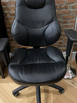 Leather Desk Chair for Sale in Brooklyn,  NY