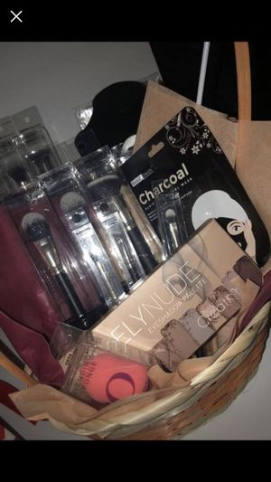 Makeup Baskets for Sale in Houston, TX
