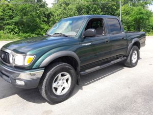 2002 toyota Tacoma sr5 4 door 4x4 for Sale in Pickerington, OH